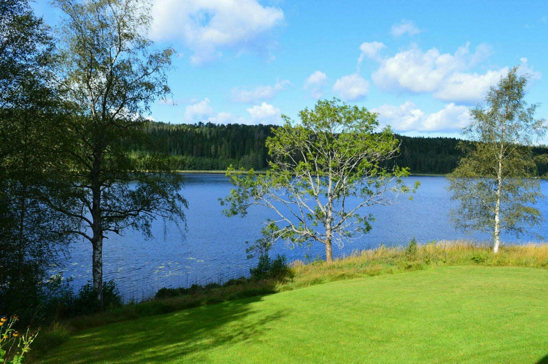 hyr-stuga-dalsland-golf-fiske-semester-dalslandsstuga